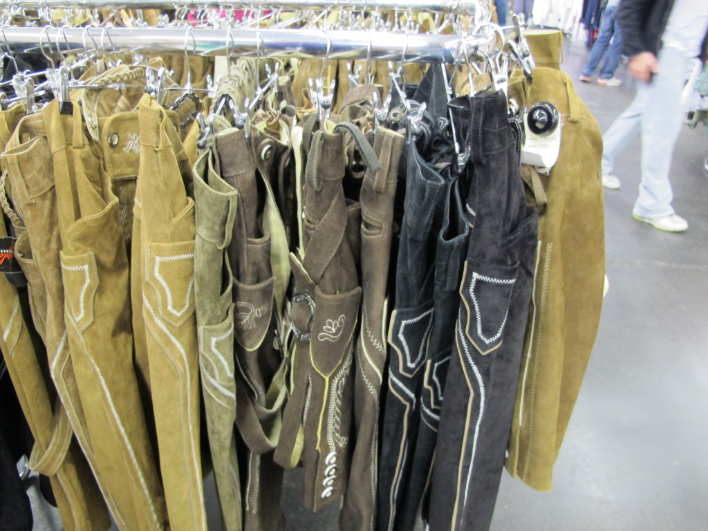 Lederhosen Shopping